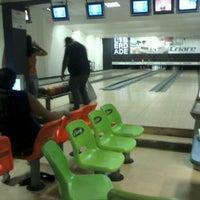 Photo taken at Strike Bowling Park by Raoni O. on 3/4/2013