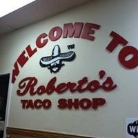 Foto tomada en Roberto's Taco Shop por Oh Sherry el 2/3/2013