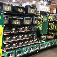 Photo taken at DICK'S Sporting Goods by Oh Sherry on 11/3/2012