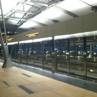 Photo taken at ARIA Express Bellagio Station by Oh Sherry on 11/8/2012