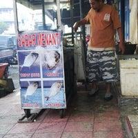 Photo taken at RM Sabar Menanti by Widyastuti G. on 7/15/2014