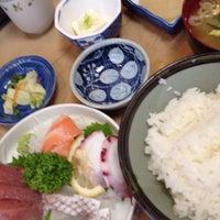 Photo taken at 魚幸 by takehiro on 7/31/2014