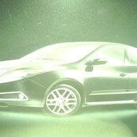 Photo prise au Chevy Chase Acura par Darkadonus S. le6/6/2013
