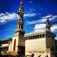 Photo taken at Masjid Agung Al-Makmur by Nurdin H. on 11/9/2012