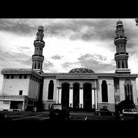 Photo taken at Masjid Agung Al-Makmur by Nurdin H. on 11/12/2012