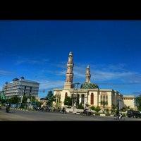 Photo taken at Masjid Agung Al-Makmur by Nurdin H. on 11/14/2012