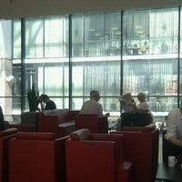 Das Foto wurde bei DB Lounge von Thomas S. am 7/8/2013 aufgenommen