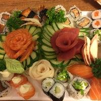 Foto tirada no(a) Jow Sushi Bar por Tatiana S. em 3/6/2015