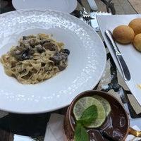 Foto scattata a Bohemia Cocina En Evolución da Andrea A. il 3/4/2018