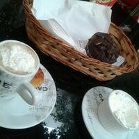 Photo taken at Mundial Calçados by myller b. on 12/11/2012