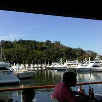 Photo taken at Restaurante El Muelle by Oscar A. on 1/13/2013
