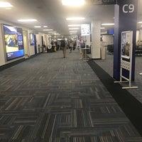 รูปภาพถ่ายที่ Terminal C โดย Erik W. เมื่อ 10/5/2017