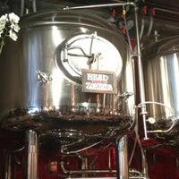 รูปภาพถ่ายที่ DryHop Brewers โดย Jim H. เมื่อ 7/3/2013