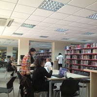 4/9/2013에 Stavros P.님이 EUC Library에서 찍은 사진