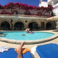 Foto tirada no(a) Hotel Suave Mar por Pablo F. em 8/15/2014