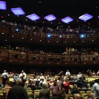 Photo prise au Jazz at Lincoln Center par Milan V. le12/16/2012