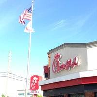 Photo taken at Chick-fil-A by Dave S. on 3/21/2013