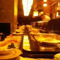 Photo taken at Sushi Hiroba by Toungkamol K. on 12/9/2012