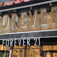 Photo taken at Forever 21 by Niya on 3/27/2013