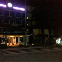 Photo taken at Kantor Manajemen Univ. Airlangga by Islahiani A.M. on 6/30/2013