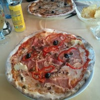 Photo taken at Roma Pizzeria by mrmx on 9/1/2013