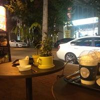 Photo taken at EDIYA COFFEE by Alize L. on 10/5/2012