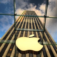 Photo taken at Apple Fifth Avenue by Milko R. on 7/26/2013