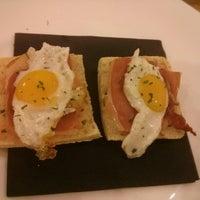 Foto tomada en Que viene el lobo! Café-taller por Jose L. el 2/21/2014