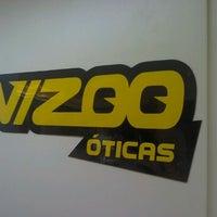 Photo taken at Vizoo Óticas by Helder L. on 10/18/2012