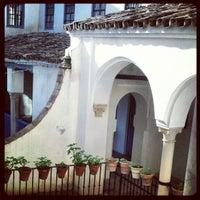 Foto scattata a Las Casas De La Juderia Hotel Cordoba da Gino C. il 11/12/2012