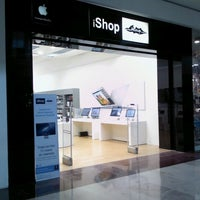 Photo taken at iShop Mixup by Erick I. L. on 9/25/2012
