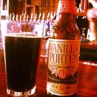 รูปภาพถ่ายที่ Hamburger Mary's / Andersonville Brewing โดย erin m. เมื่อ 10/27/2012