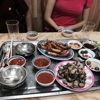 Photo taken at Hải Sản Hương Lan by Tuan Anh N. on 6/7/2014
