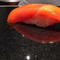 9/3/2014 tarihinde Melody H.ziyaretçi tarafından Sushi Nakazawa'de çekilen fotoğraf
