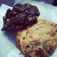 Photo prise au Levain Bakery par Melody H. le9/23/2012