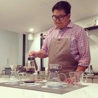Photo prise au Wrecking Ball Coffee Roasters par Melody H. le10/15/2014