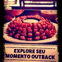 Foto tirada no(a) Outback Steakhouse por Cassio D. em 9/16/2012