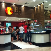 Photo taken at Sino Sushis by Arilson L. on 10/7/2012