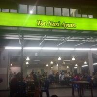 Photo taken at Restoran Tat Nasi Ayam by Nurul S. on 9/30/2012