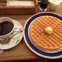 Photo taken at 喫茶館 英國屋 by Iwasaku T. on 3/7/2015