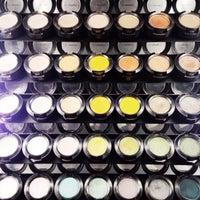 Снимок сделан в MAC Cosmetics пользователем anya g. 11/12/2014
