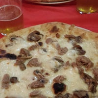 Foto tomada en Napoletani D.O.C. Restaurant & Pizzeria por Gal.la R. el 1/3/2015