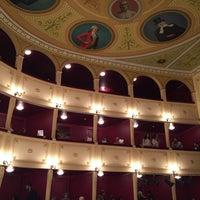 Foto scattata a Apollon Theater da Monica S. il 9/28/2017