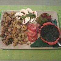 Foto scattata a Modo Infoshop da Irene S. il 11/13/2012