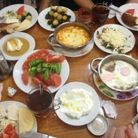 4/6/2014 tarihinde Rıdvan Ahsen T.ziyaretçi tarafından Çakmak Kahvaltı Salonu'de çekilen fotoğraf