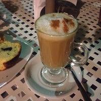 Photo taken at Café Italiano-Illy by Fáty Vargas 👑 on 11/16/2014