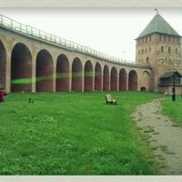 Das Foto wurde bei Novgorod Kremlin von Tatiana B. am 9/29/2012 aufgenommen