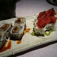 Foto tomada en 99 Sushi Bar por Javier V. el 11/8/2014