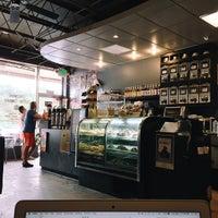 Foto tirada no(a) Crestwood Coffee Co. por Taylor G. em 5/12/2015