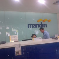 Photo taken at Bank Mandiri by Adv Meity yurida SH on 3/10/2014